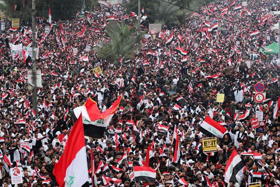 آلاف المتظاهرين فى شوارع بغداد