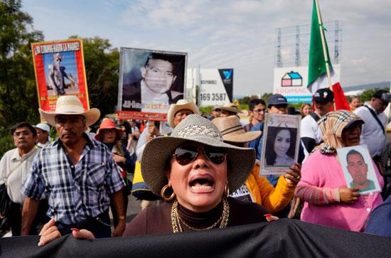 أعداد من المتظاهرين فى الميادين بالمكسيك