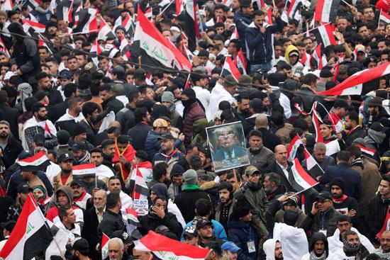 العراقيون ينتشرون فى الشوارع