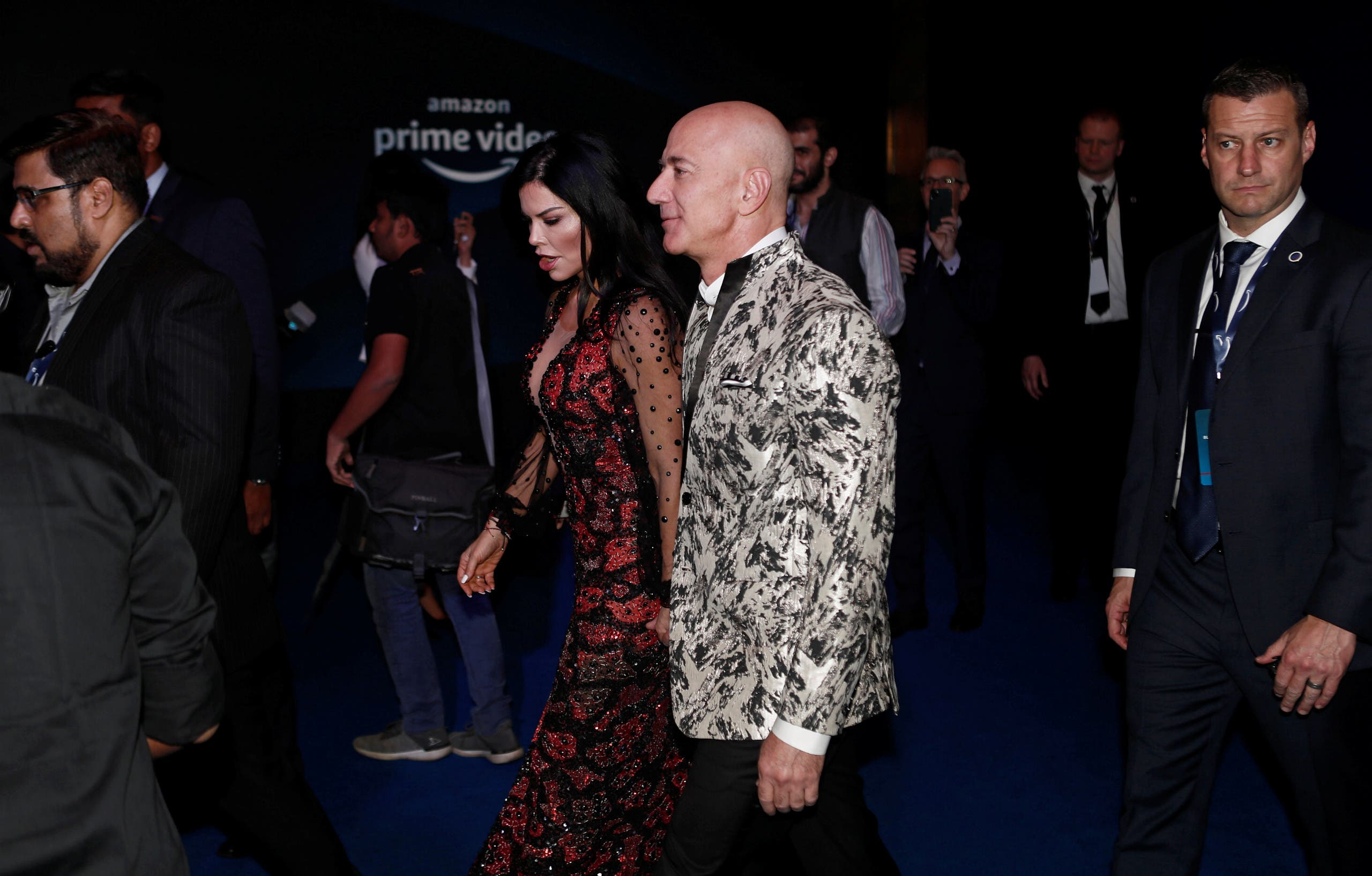 جيف بيزوس وعشيقته لورين سانشيز