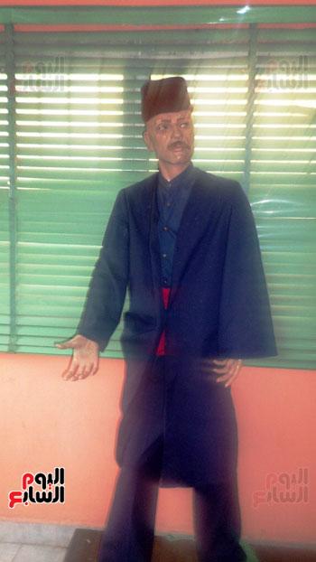زي رجل الشرطة قديما (1)