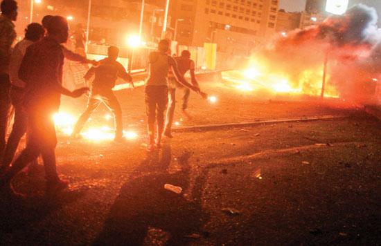 2013-07-05T202457Z_46774720_GM1E9760BWC01_RTRMADP_3_EGYPT-PROTESTS