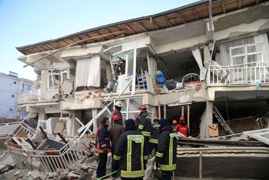 زلزال قوى يهز شرق تركيا (2)