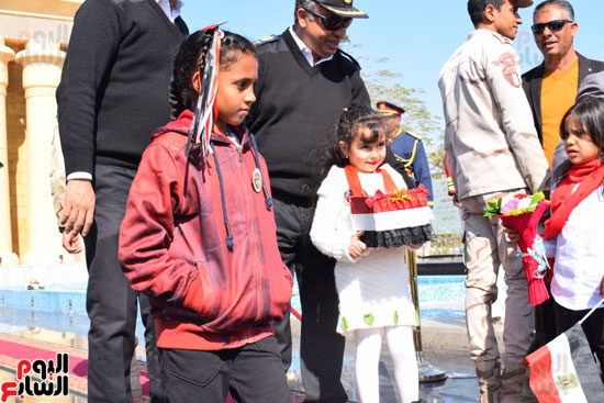 إحتفالات-شعبية-لأهالي-الأقصر-بعيد-الشرطة-أمام-النصب-التذكارى-الجديد-ومقر-مديرية-الأقصر