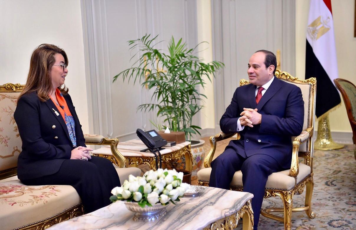 الرئيس عبد الفتاح السيسى يستقبل الدكتورة غادة والي (2)