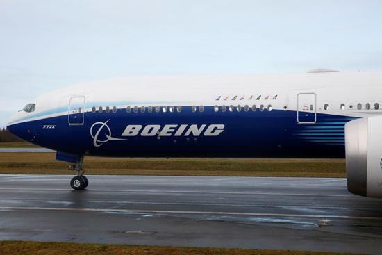 طائرة بوينج إكس 777