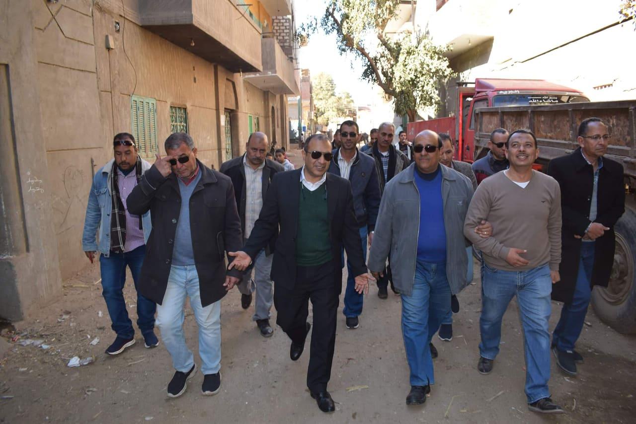 أعمال التطوير في مجال الإنارة بقرية شيبة بمركز أبوقرقاص بالمنيا  (2)