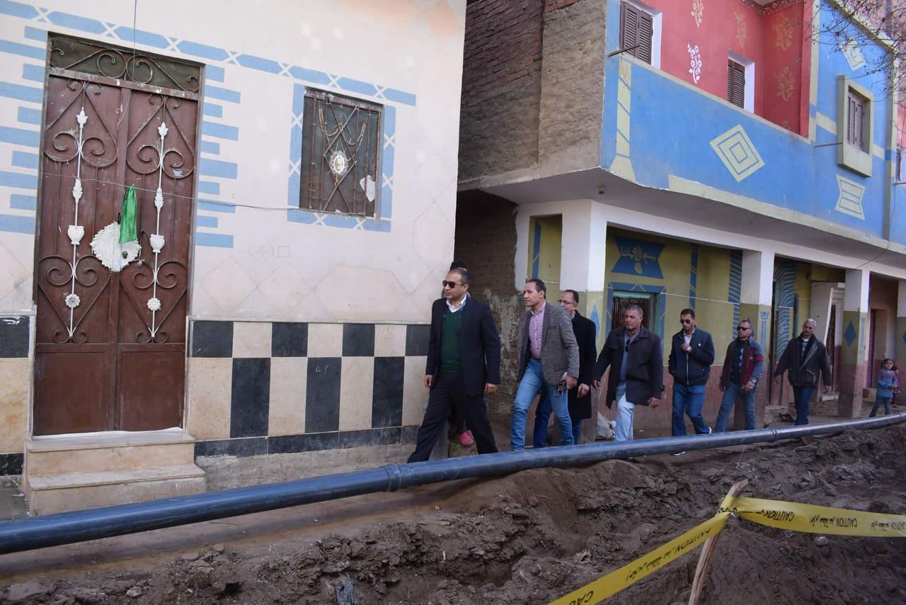 أعمال التطوير في مجال الإنارة بقرية شيبة بمركز أبوقرقاص بالمنيا  (1)