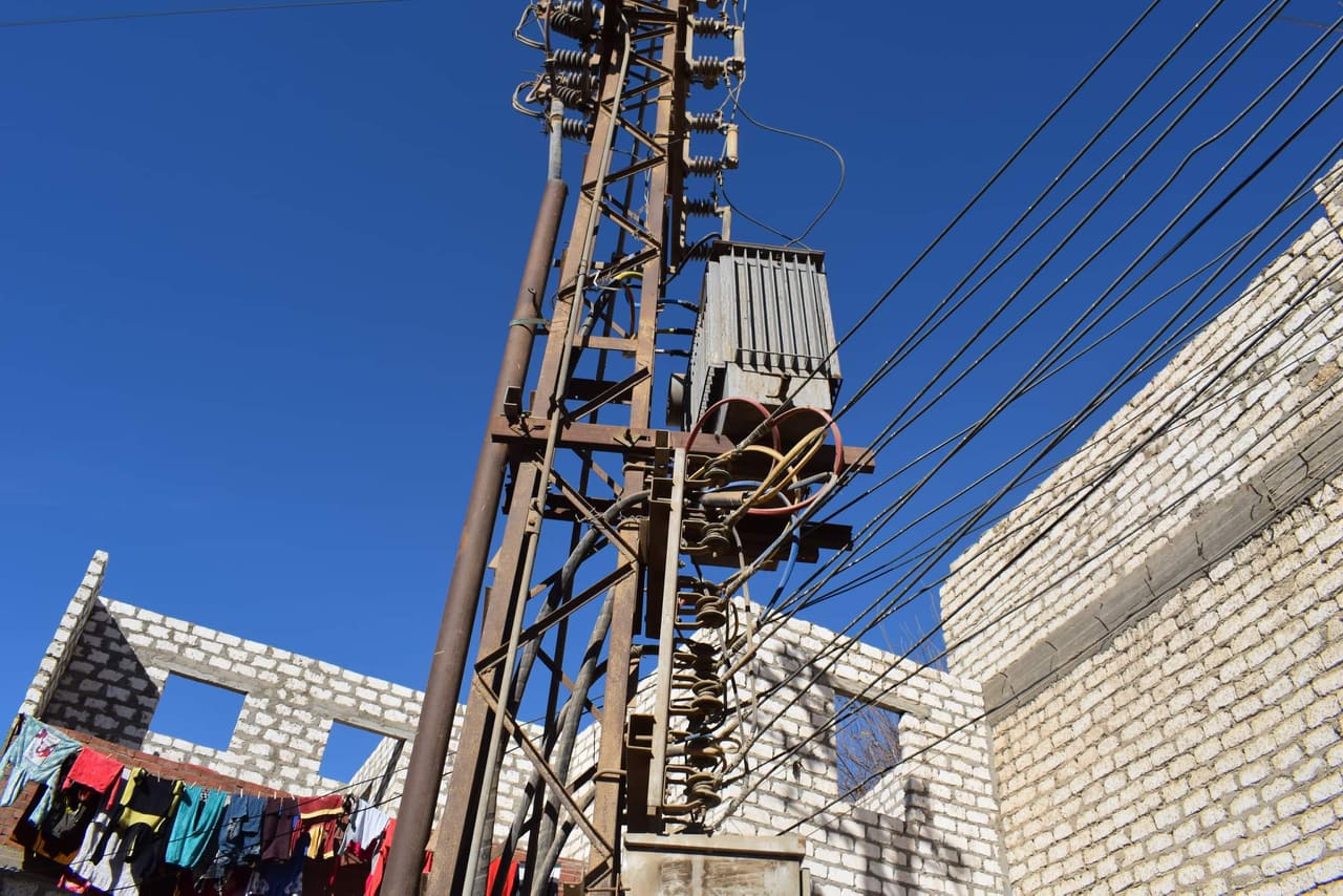 أعمال التطوير في مجال الإنارة بقرية شيبة بمركز أبوقرقاص بالمنيا  (3)
