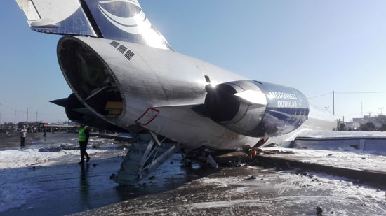 الطائرة-بعد-هبوطها-خارج-المدرج