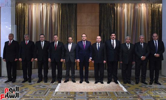 رئيس الوزراء يكرم المحافظين السابقين (19)