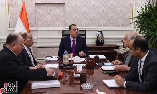 الدكتور-مصطفى-مدبولي-مع-اللواء-محمود-شعراوى-وزير-التنمية-المحلية،-واللواء-أحمد-راشد-محافظ-الجيزة،-واللواء-خالد-عبد-العال-محافظ-القاهرة-(1)