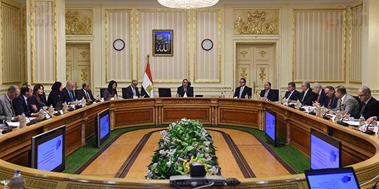 الاجتماع الأول للجنة العليا للاستثمار (3)