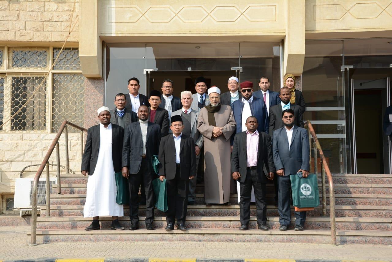 عبد الفضيل القوصي يلتقي برؤساء فروع منظمة خريجى الأزهر بالخارج (5)
