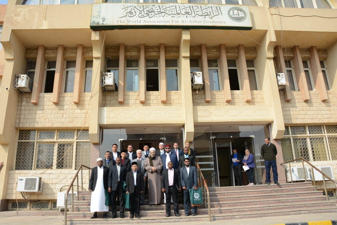عبد الفضيل القوصي يلتقي برؤساء فروع منظمة خريجى الأزهر بالخارج (6)