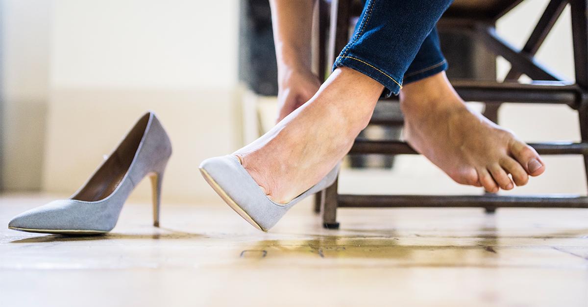 Female_Feet_High_Heels_1200x628-facebook