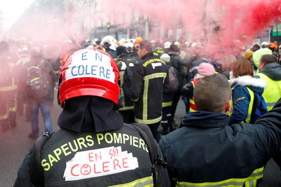 اشتباكات عنيفة فى فرنسا