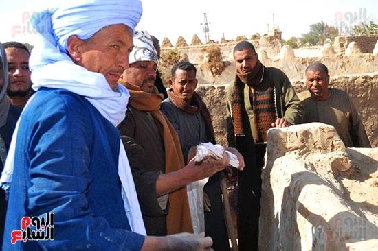 9-شيخ-باللجنة-يؤكد-السحر-مذكور-في-القرآن-وهناك-أعمال-سهلة-الحل-وآخري-صعبة-تحتاج-قوة-من-رجل-الدين