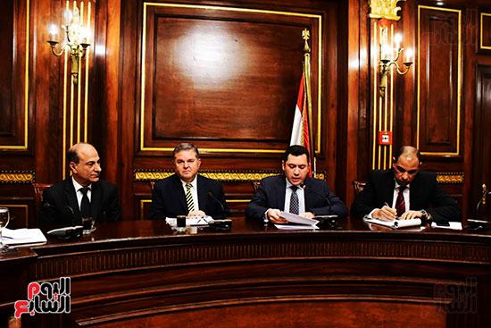 لجنة الصناعة (3)