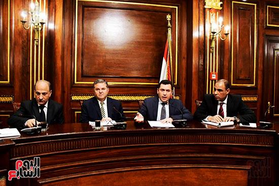 لجنة الصناعة (1)