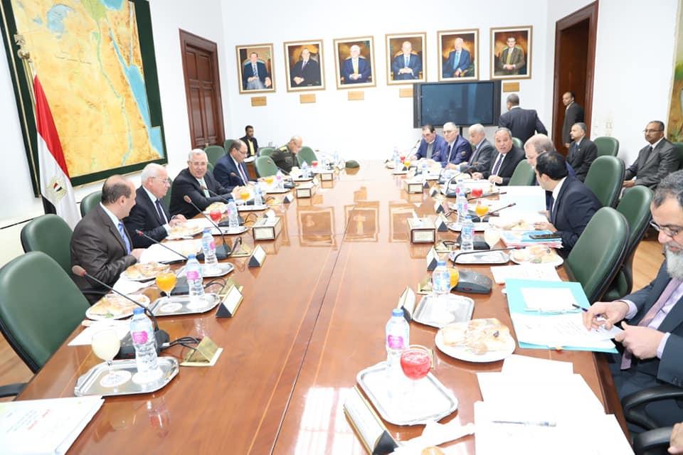 محافظ بورسعيد يبحث مع وزير الزراعة تحقيقالتنمية الزراعية (3)