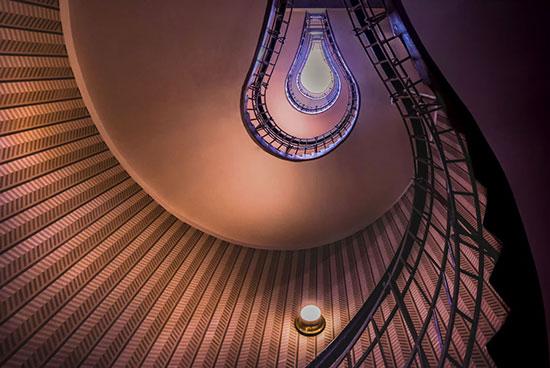 الصورة بعنوان باتجاه السماء، للمصور التشيكى ديباتا تشاكرابورتى