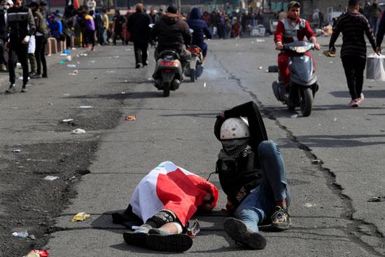 سقوط-المتظاهرين