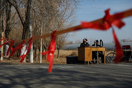 ممنوع دخول الغرباء فى ضواحى بكين