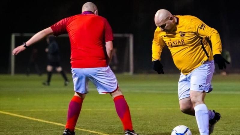 182210_futbol_xxl_la_liga_de_futbol_en_la_puntuan_los_goles_y_los_kilos_que_se_adelgazan_