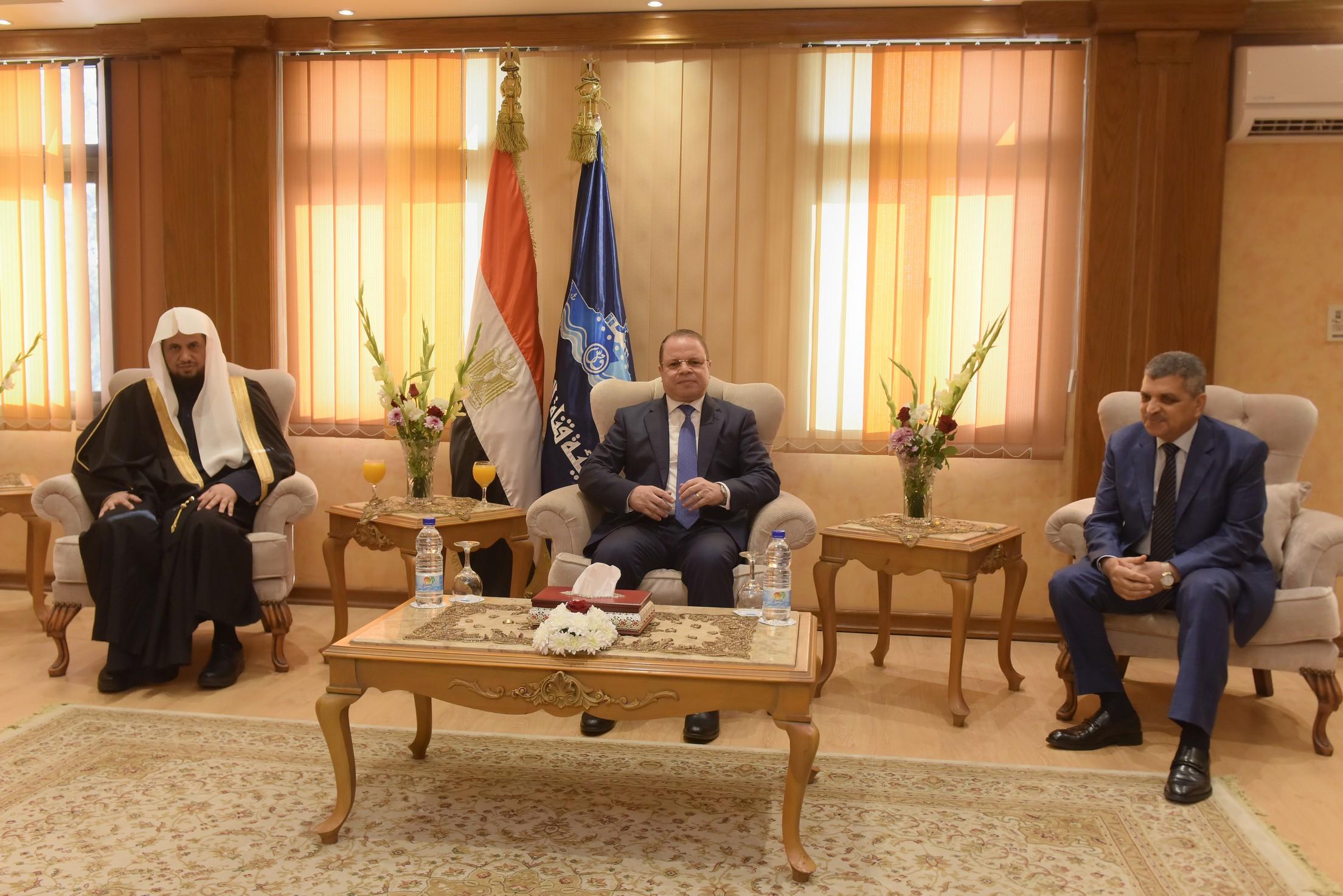 الفريق أسامة ربيع يستقبل النائب العام المصرى والسعودي (3)