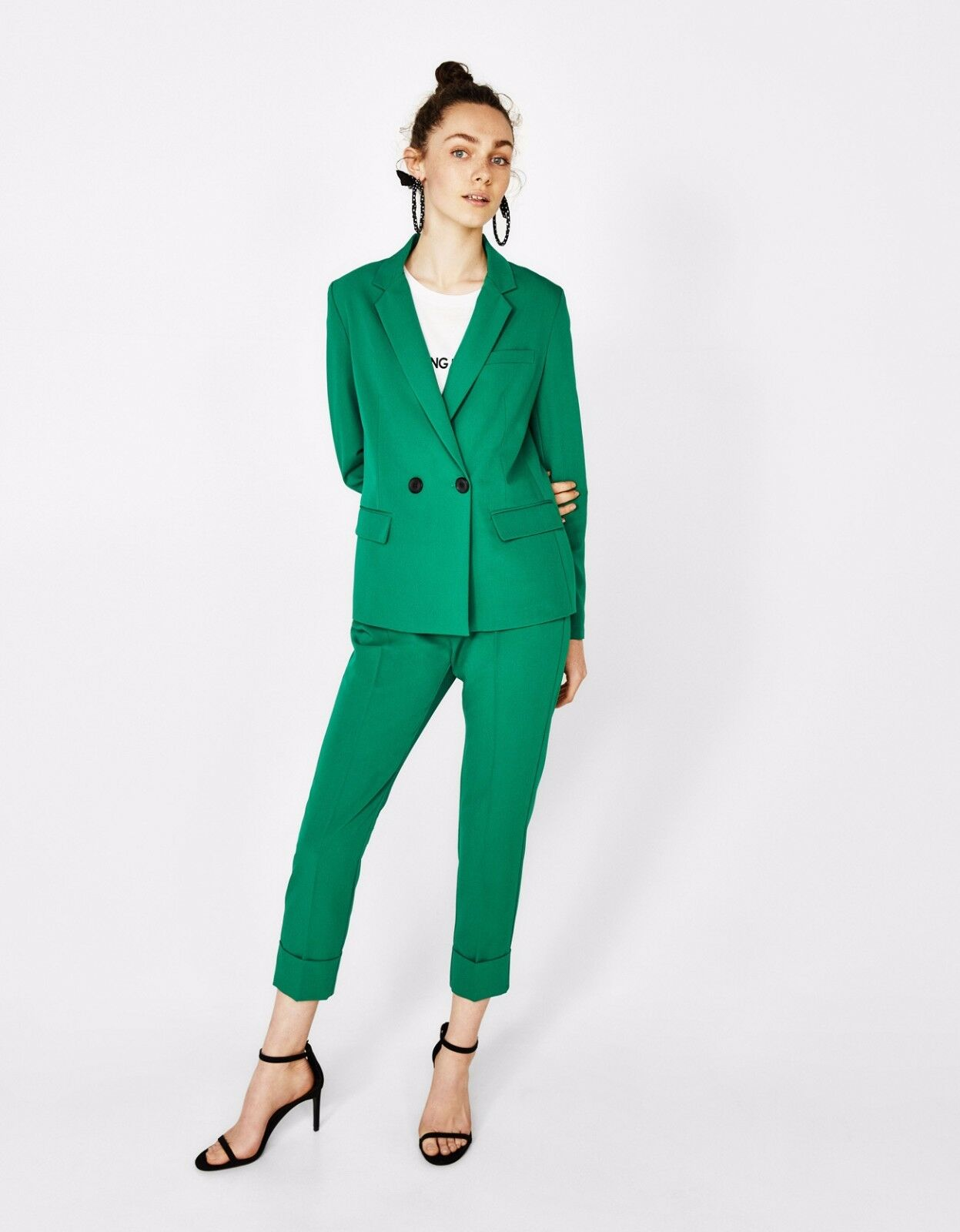 ذات اللون الأخضر