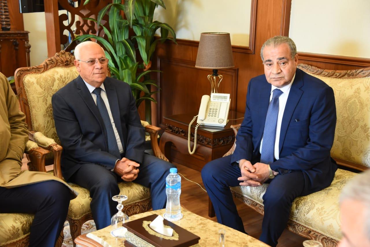 محافظ بورسعيد يستقبل وزير التموين لافتتاح وتفقد عدد من المشروعات (3)