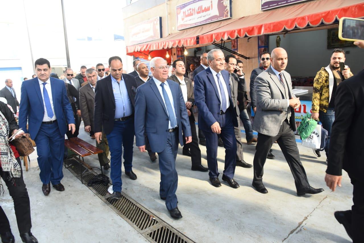 افتتاح الشاشة الإلكترونية الخاصة بحماية المستهلك فى بورسعيد بسوق اسماك بورسعيد الجديد  (7)