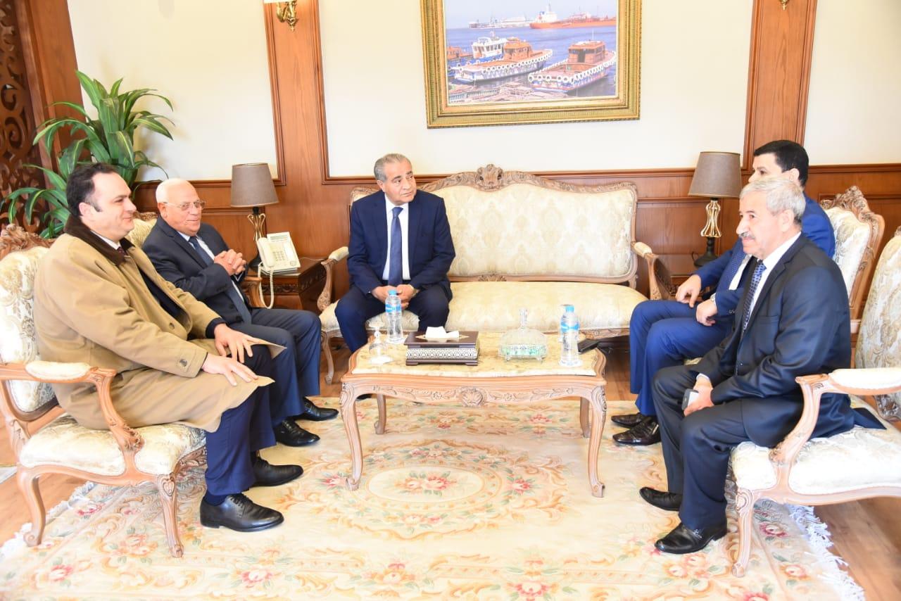 محافظ بورسعيد يستقبل وزير التموين لافتتاح وتفقد عدد من المشروعات (2)
