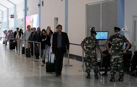 اجراءات احترازية بالمطار