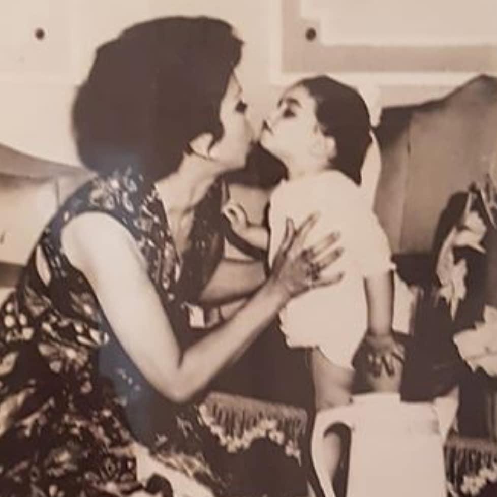 رجاء الجداوى وابنتها أميرة  (2)