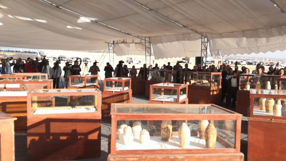 وزير السياحة والآثار يصل المنيا للإعلان عن كشف جديد بتونا الجبل  (1)