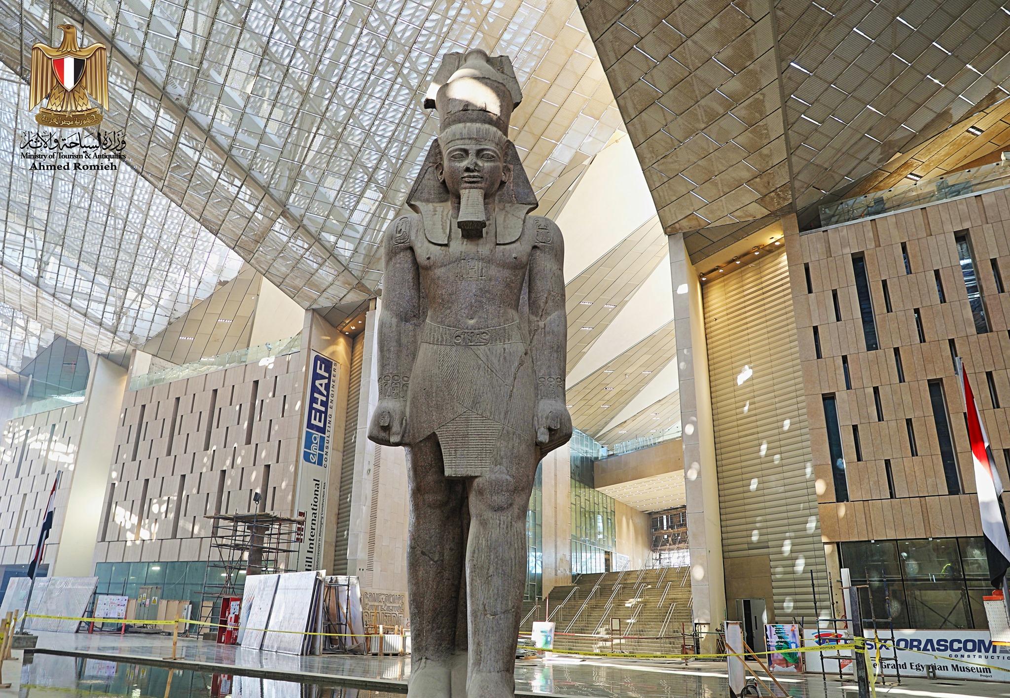 السياحة والآثار تنهي 90 % من أعمال تجهيزات المتحف المصري الكبير - اليوم  السابع