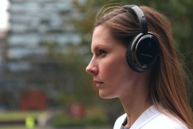اضرار سماعات الاذن