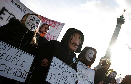 تواجه فرنسا يومها الأول والثلاثين على التوالي من الإضرابات