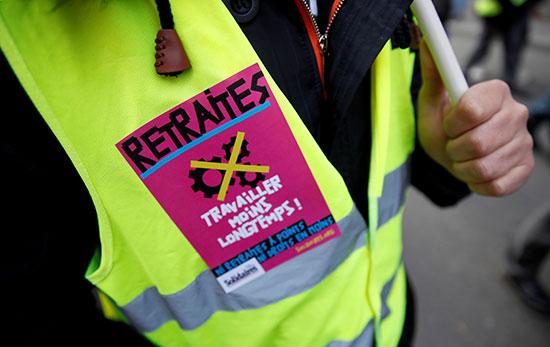 فرنسا تواجه يومها الأول والثلاثين على التوالي من الإضرابات