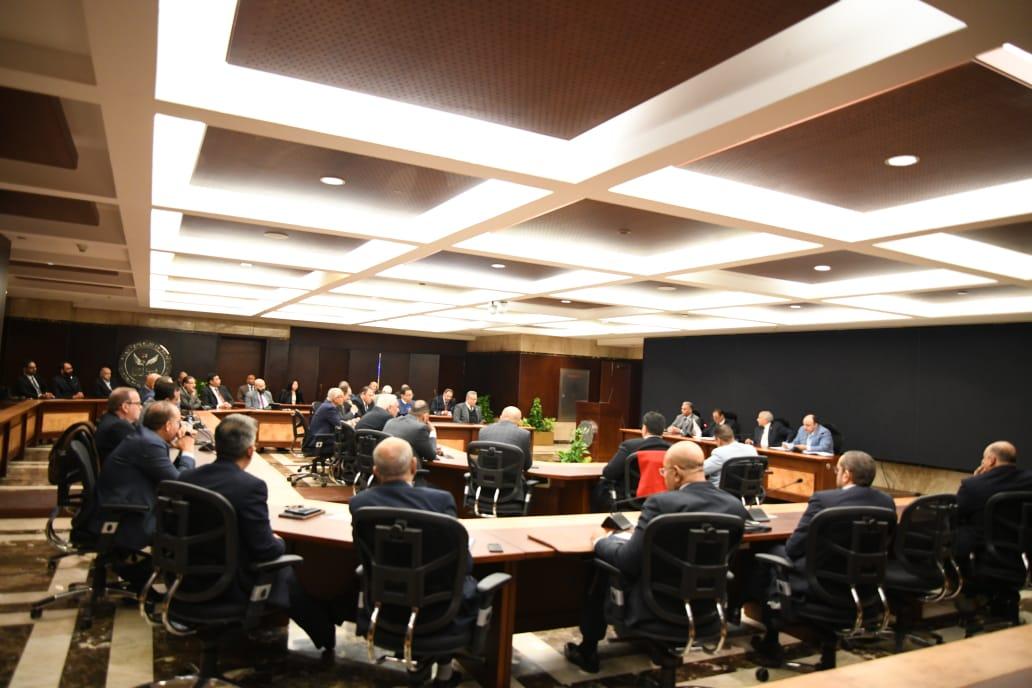 اجتماع رئيس الرقابة المالية مع ممثلين من شركات التأمين