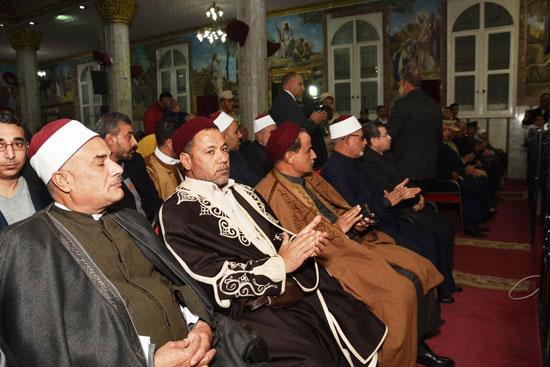 مشايخ-قبائل-مطروح-يشاركون-فى-الصلوات-داخل-الكنيسة