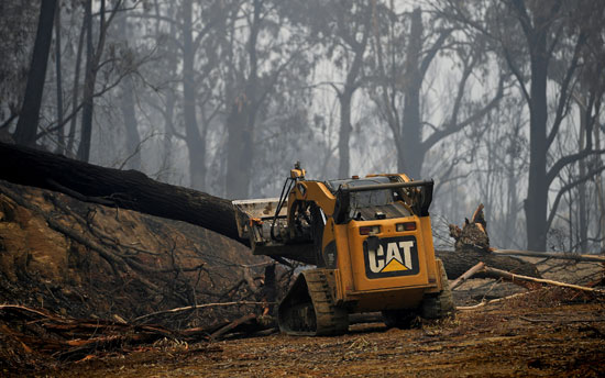 انتشال الحطام بسبب حرائق غابات استراليا
