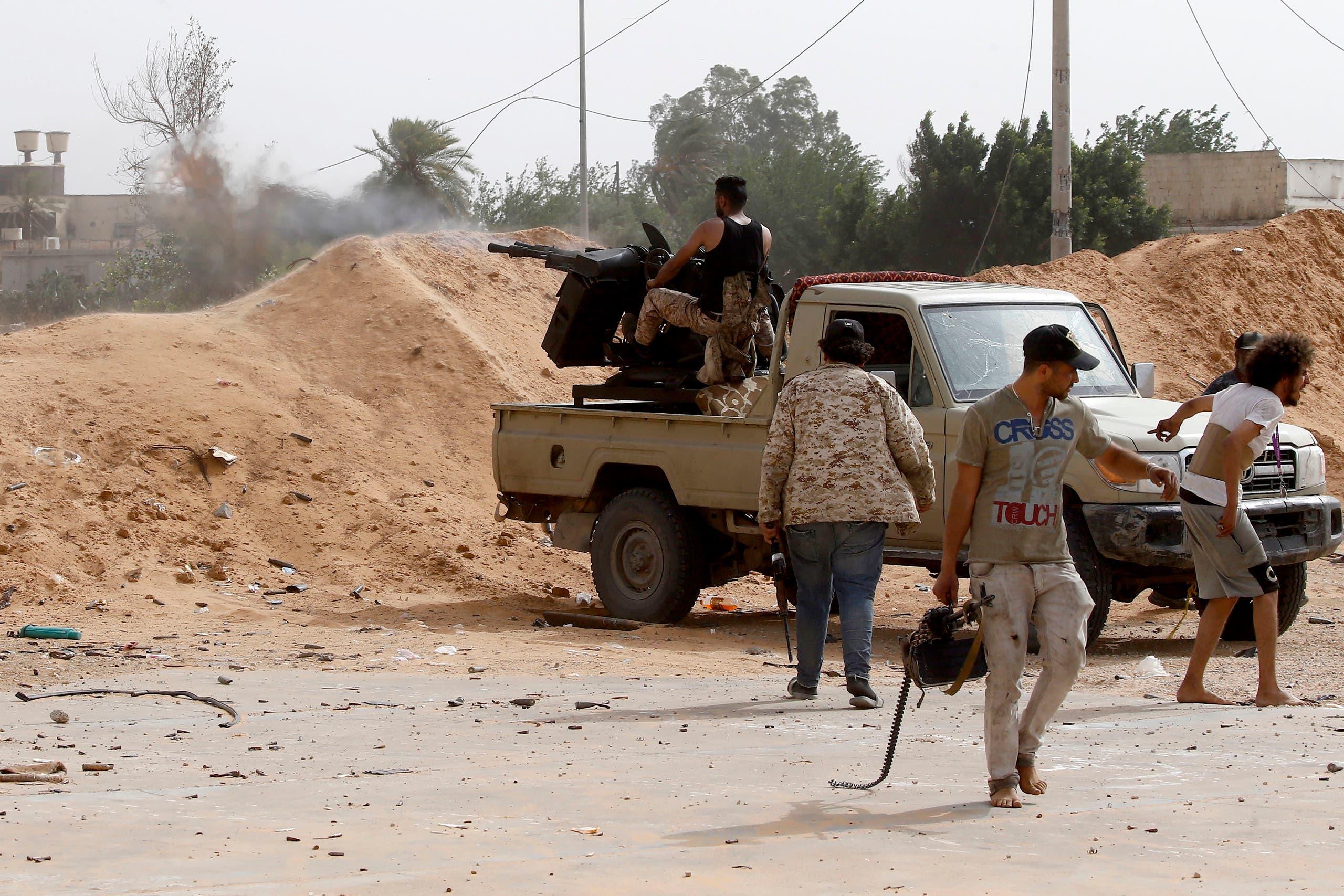 الجيش الليبي يواصل عملية تمشيط سرت بعد السيطرة على المدينة