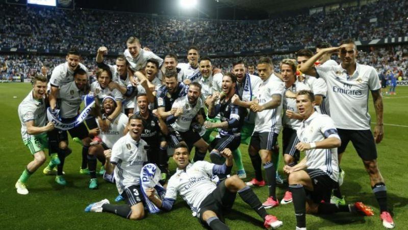 ريال مدريد يحتفل بآخر لقب في الليجا