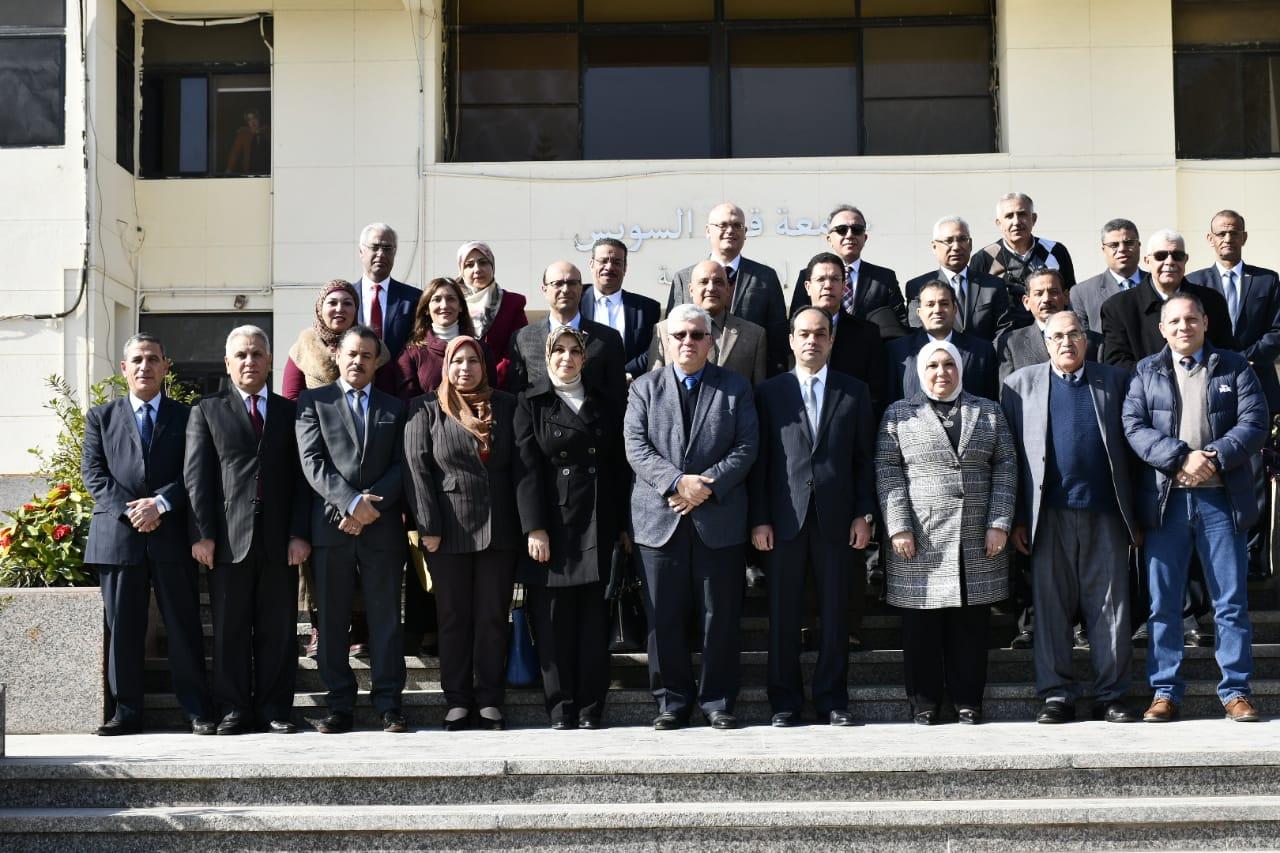 2- أعضاء المجلس  الأعلى للدراسات العليا