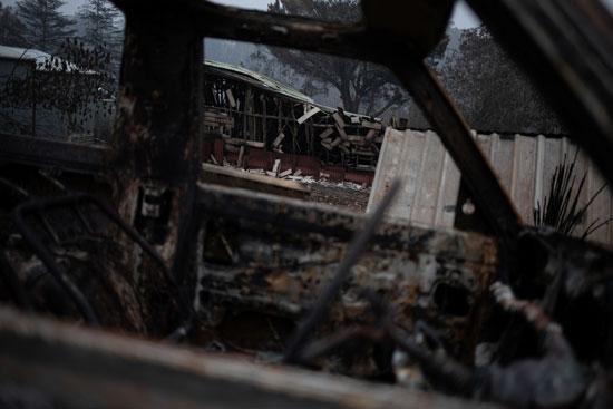 سيارة آتت عليها النيران