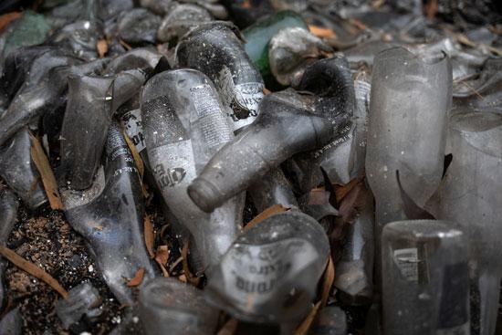النيران دمرت الزجاجات
