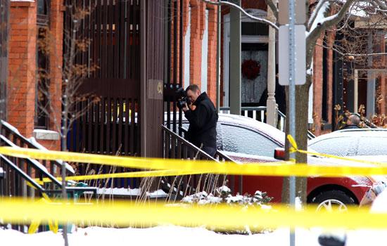 تصوير شرطى كندى لموقع الهجوم
